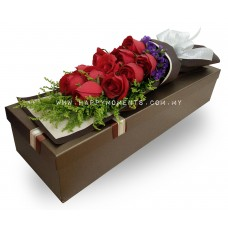 12 Roses in a box